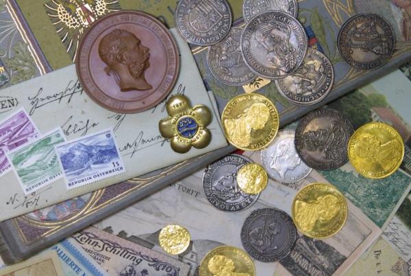 Bild zur 17. Wachauer Münzenbörse, mehrere alte Münzen und Geldscheine